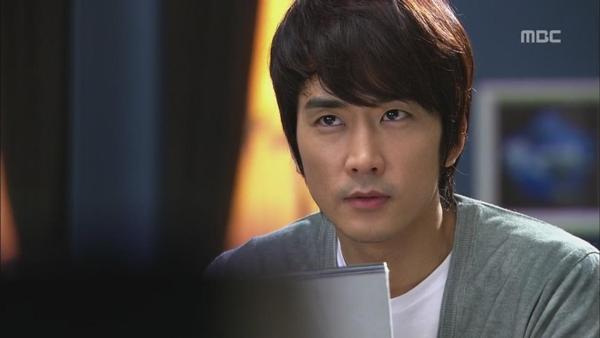 Song Seung Hun nằm mơ ôm gái giữa ban ngày 1