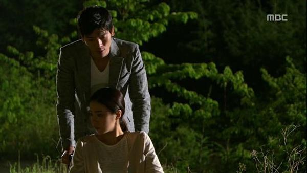 Tae Sang (Seung Hun) nghĩ bạn gái giả vờ mất trí nhớ 2