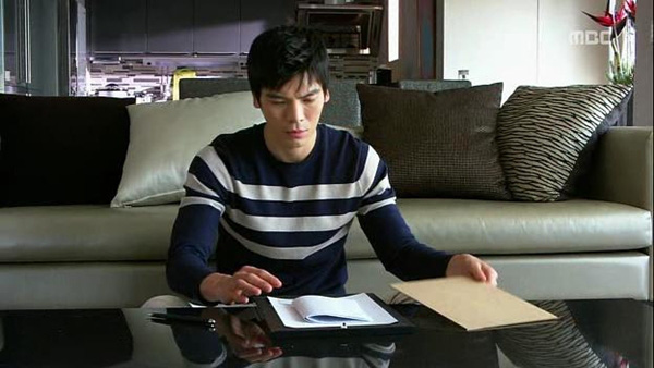Tae Sang (Seung Hun) nghĩ bạn gái giả vờ mất trí nhớ 13