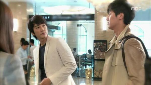 Tae Sang (Seung Hun) nghĩ bạn gái giả vờ mất trí nhớ 12