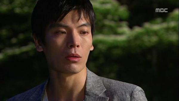 Tae Sang (Seung Hun) nghĩ bạn gái giả vờ mất trí nhớ 4