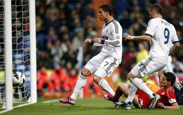 Real Madrid-Sevilla: Show diễn của Ronaldo 1