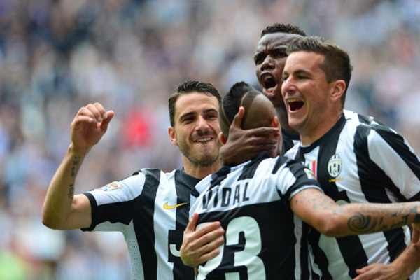 Chùm ảnh Juventus trong ngày lên ngôi tại Serie A 9