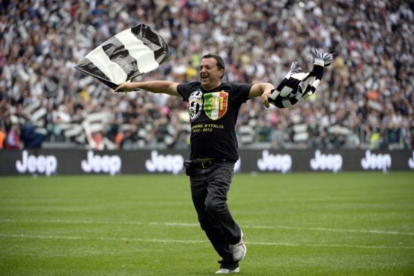 Chùm ảnh Juventus trong ngày lên ngôi tại Serie A 16