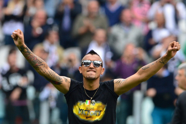 Chùm ảnh Juventus trong ngày lên ngôi tại Serie A 18