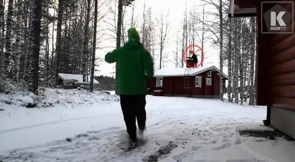 Thủ môn nghiệp dư Lassi Hurskainen lại tung clip biểu diễn gây sốt 2