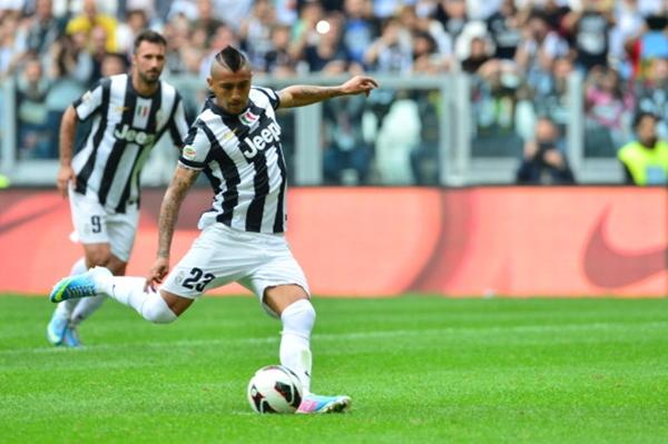 Chùm ảnh Juventus trong ngày lên ngôi tại Serie A 7