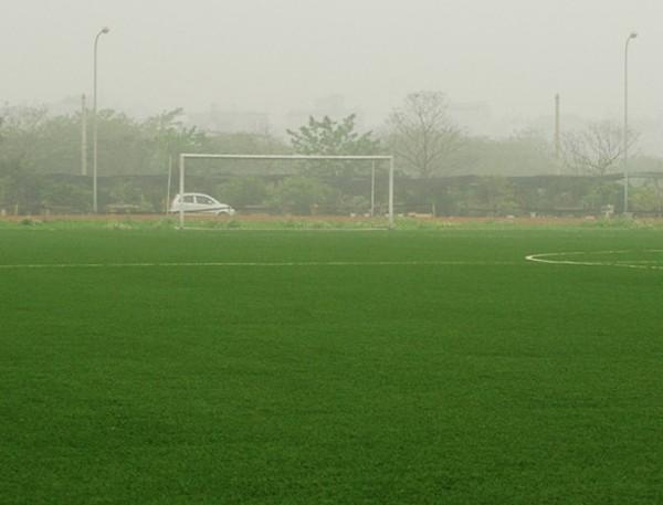 Hà Nội: Điểm danh các sân cỏ nhân tạo cho fan mê bóng đá (Phần 2) 11