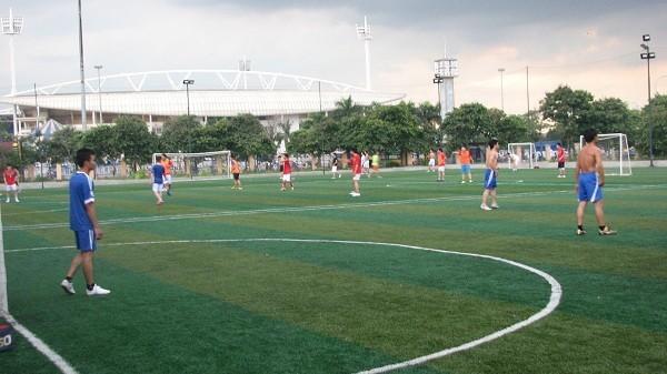 Hà Nội: Điểm danh các sân cỏ nhân tạo cho fan mê bóng đá (Phần 2) 3