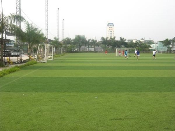 Hà Nội: Điểm danh các sân cỏ nhân tạo cho fan mê bóng đá (Phần 1) 2