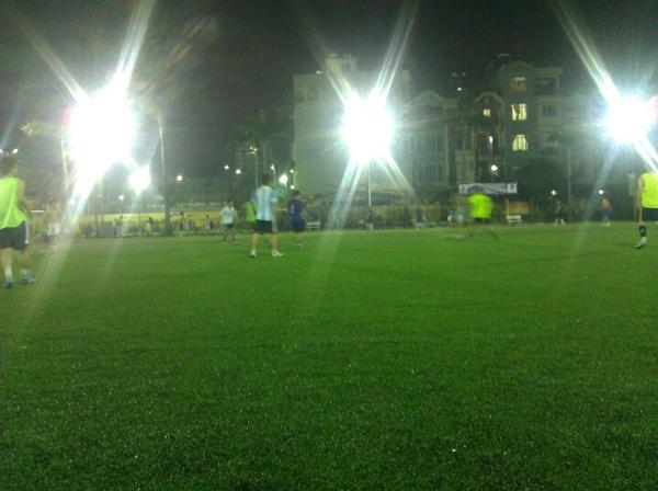 Hà Nội: Điểm danh các sân cỏ nhân tạo cho fan mê bóng đá (Phần 1) 3