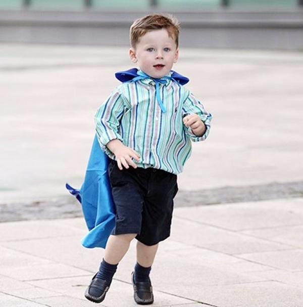 """Quý tử nhà Rooney cực """"cute"""" trong trang phục tuyển Anh 7"""