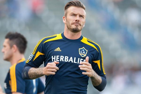 Beckham gây chú ý với mái tóc dài bất thường 4
