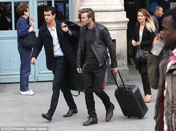 Beckham gây chú ý với mái tóc dài bất thường 1