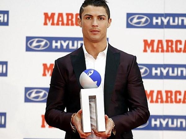 """Những con số thống kê """"ngoài hành tinh"""" của Messi và Ronaldo 3"""