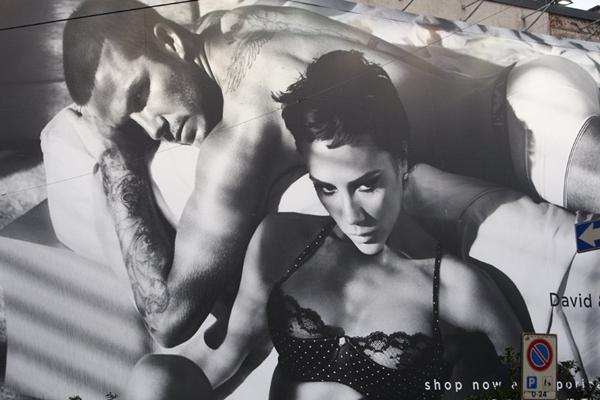 Zoom vào khối tài sản kếch xù của vợ chồng Beckham 8