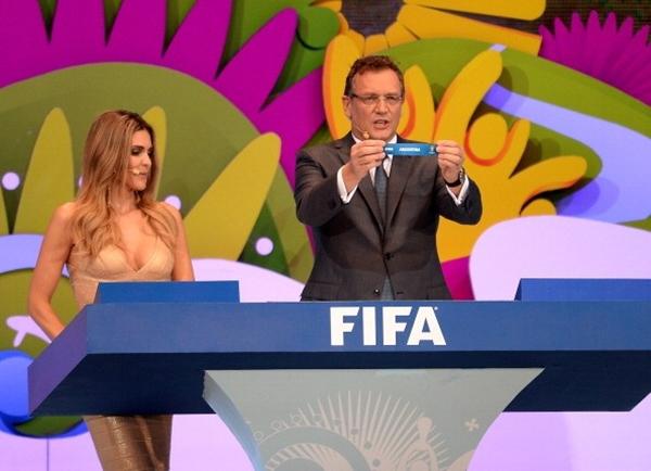 Nghi vấn FIFA cố tình  gian lận trong lễ bốc thăm? 1