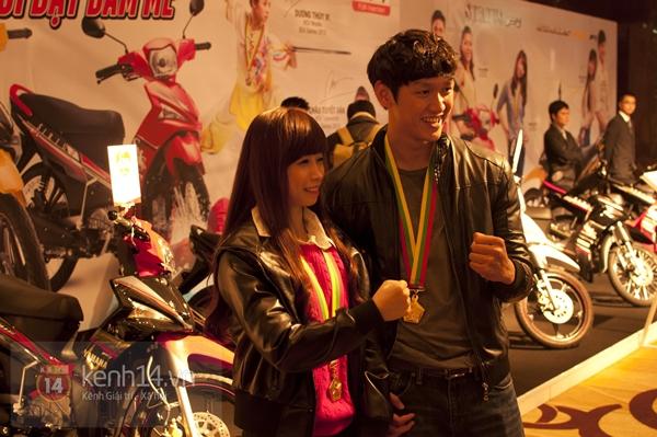 """""""Hot girl"""" Taekwondo Châu Tuyết Vân rạng rỡ trong ngày gặp lại các HCV Sea Games 3"""