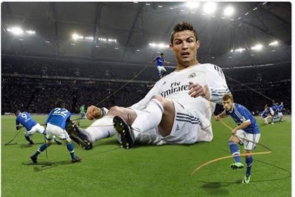 """Cả tá cầu thủ không """"vật"""" được người khổng lồ Ronaldo 1"""