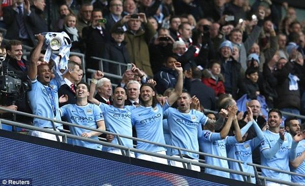 Tổng hợp League Cup Anh: Man xanh ngược dòng đoạt cúp 3