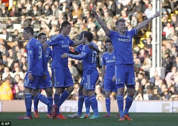 Tổng hợp Premier League: Arsenal trắng tay, Schurrle đưa Chelsea bay cao 1