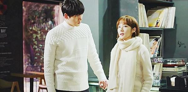 """""""Healer"""": Fan bấn loạn khi thấy Park Min Young chủ động hôn Ji Chang Wook 1"""