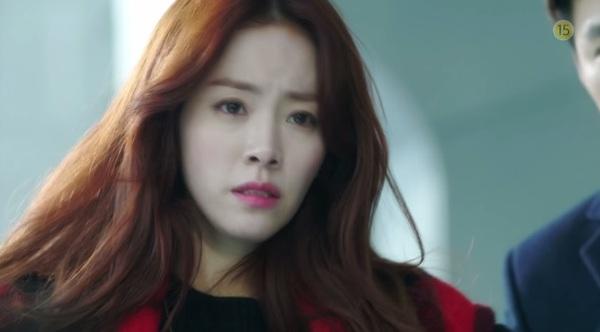 Hyun Bin to tiếng nạt nộ Han Ji Min trong thang máy 2