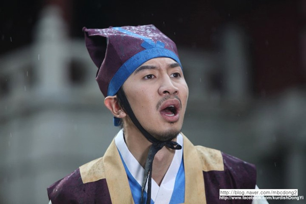 """""""Hươu cao cổ"""" Lee Kwang Soo và """"bộ sưu tập"""" những vai diễn thú vị 6"""