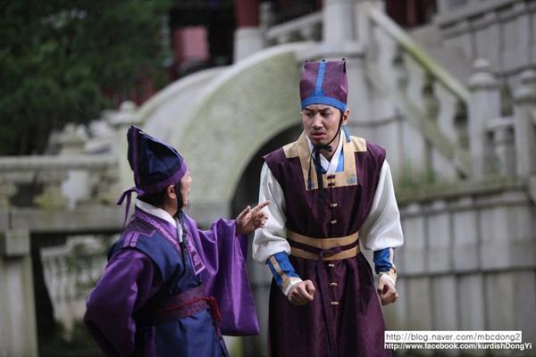 """""""Hươu cao cổ"""" Lee Kwang Soo và """"bộ sưu tập"""" những vai diễn thú vị 7"""