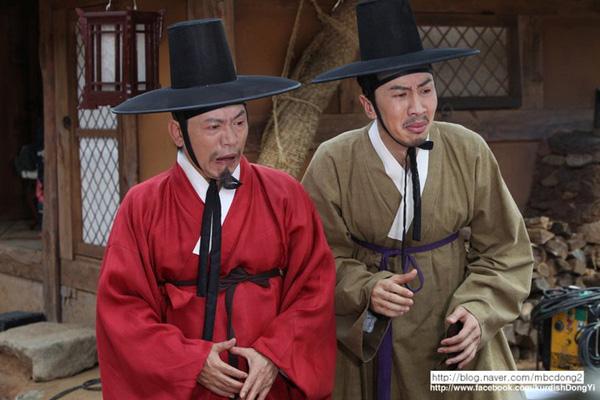 """""""Hươu cao cổ"""" Lee Kwang Soo và """"bộ sưu tập"""" những vai diễn thú vị 8"""