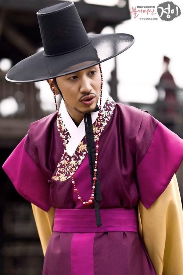 """""""Hươu cao cổ"""" Lee Kwang Soo và """"bộ sưu tập"""" những vai diễn thú vị 19"""