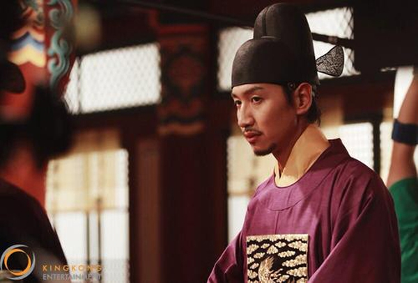 """""""Hươu cao cổ"""" Lee Kwang Soo và """"bộ sưu tập"""" những vai diễn thú vị 22"""