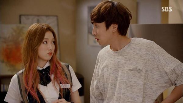 """""""Hươu cao cổ"""" Lee Kwang Soo và """"bộ sưu tập"""" những vai diễn thú vị 32"""