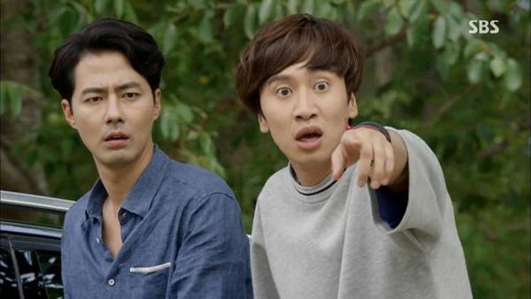 """""""Hươu cao cổ"""" Lee Kwang Soo và """"bộ sưu tập"""" những vai diễn thú vị 33"""