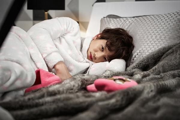 Ji Sung bỗng biến thành bé gái 7 tuổi 3