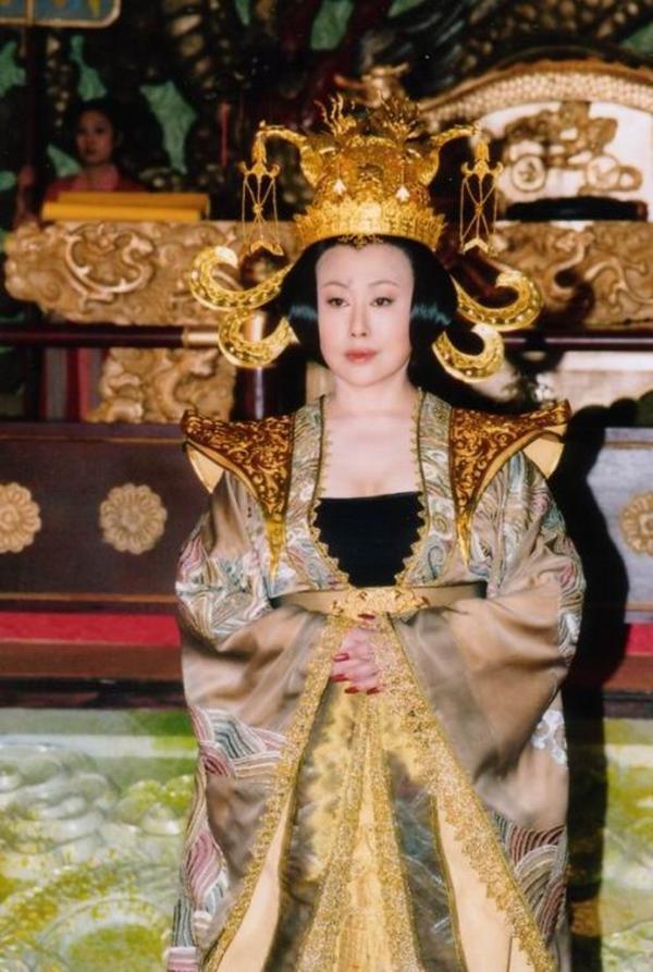 """10 phiên bản """"nữ hoàng tai tiếng"""" Võ Tắc Thiên 6"""