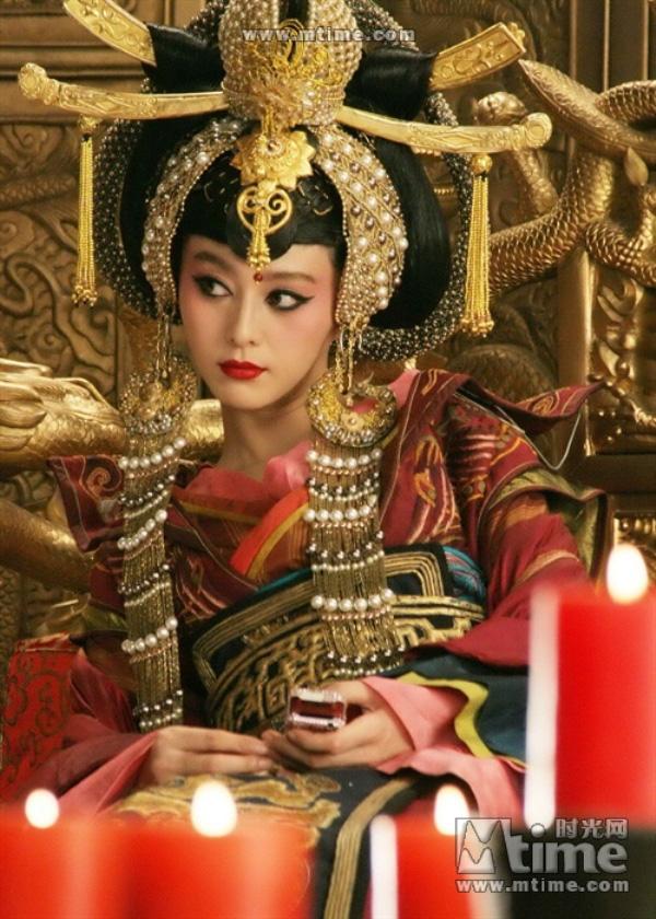 """10 phiên bản """"nữ hoàng tai tiếng"""" Võ Tắc Thiên 22"""