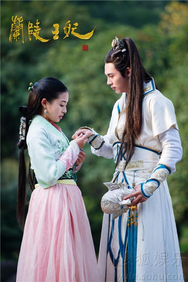 Chiến thần Lan Lăng Vương khoe ảnh xinh hơn con gái 4