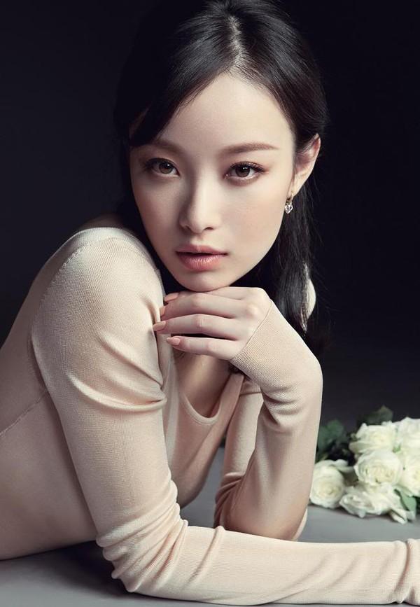 """Bạn gái Phùng Thiệu Phong yêu đương giữa """"Năm tháng vội vã"""" 4"""