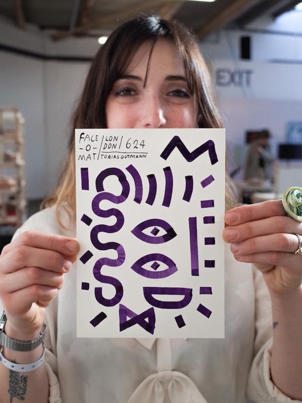 Máy bán hàng tự động khắc họa chân dung kiểu Picasso chỉ trong 3 phút 5