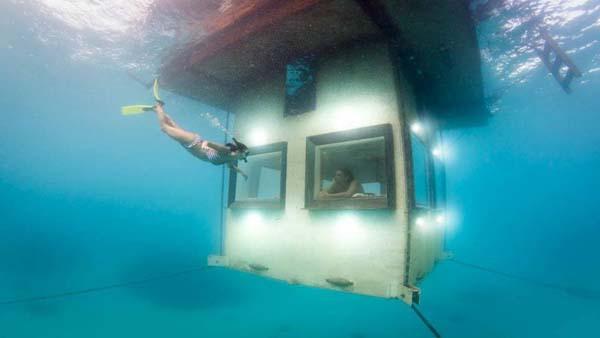 Thích thú ngắm nhìn biển cả với căn phòng chìm dưới lòng đại dương 3