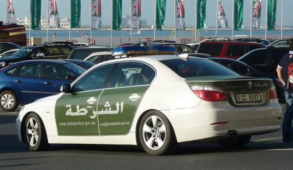 Lác mắt với bộ sưu tập xế hộp của cảnh sát Dubai 3