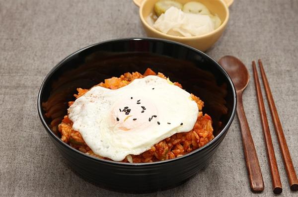 Cơm chiên kimchi cay ngon hấp dẫn 6