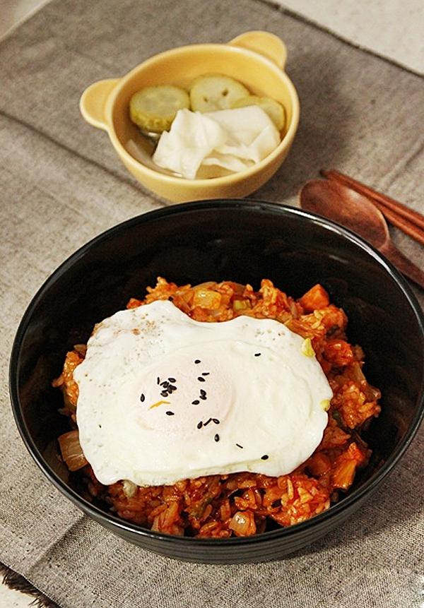 Cơm chiên kimchi cay ngon hấp dẫn 7