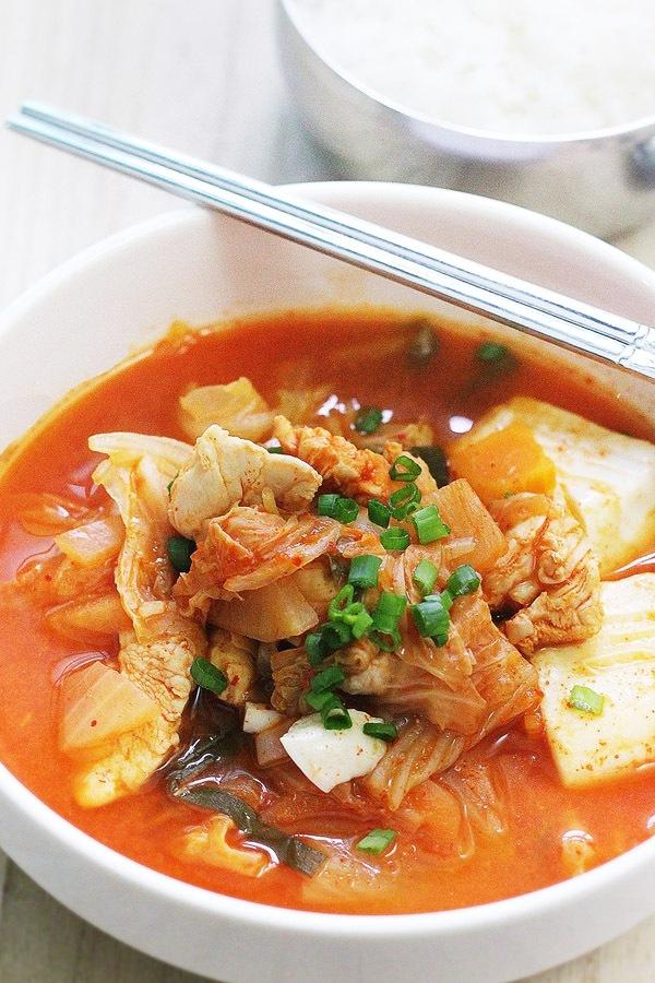 Công thức canh kimchi cay nồng đã ăn là mê 7