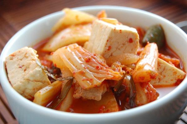 Công thức canh kimchi cay nồng đã ăn là mê 8