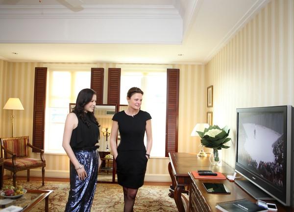"""Lý Nhã Kỳ """"khoe"""" váy độc quyền 2 tỷ của Chanel 4"""