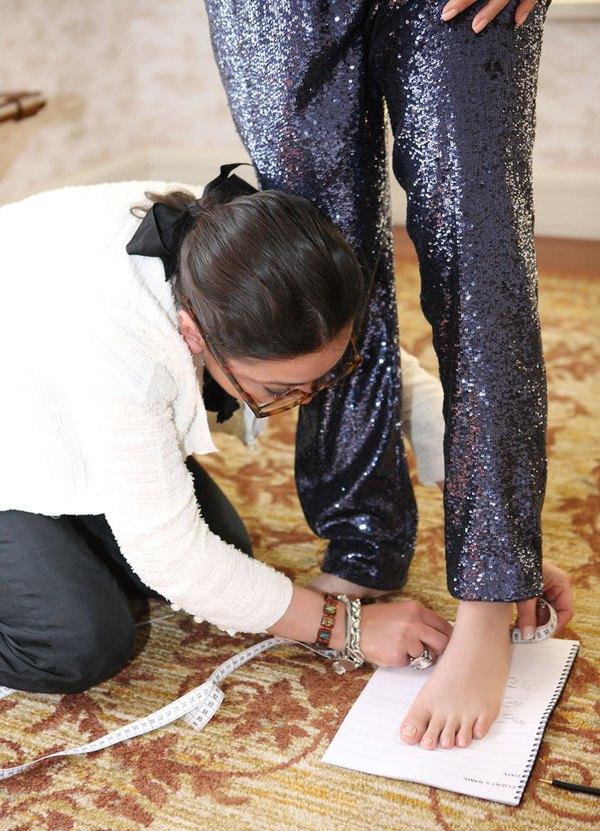 """Lý Nhã Kỳ """"khoe"""" váy độc quyền 2 tỷ của Chanel 5"""