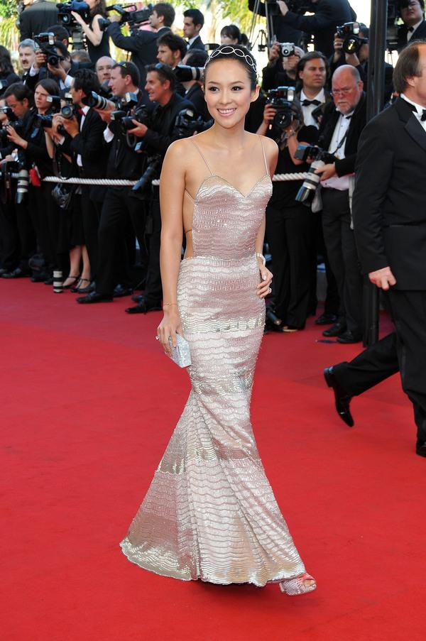 """Lý Nhã Kỳ """"khoe"""" váy độc quyền 2 tỷ của Chanel 15"""