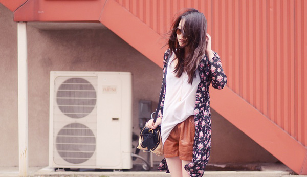 Áo khoác kimono - Xu hướng áo bay bổng, nhẹ bẫng của mùa hè 21